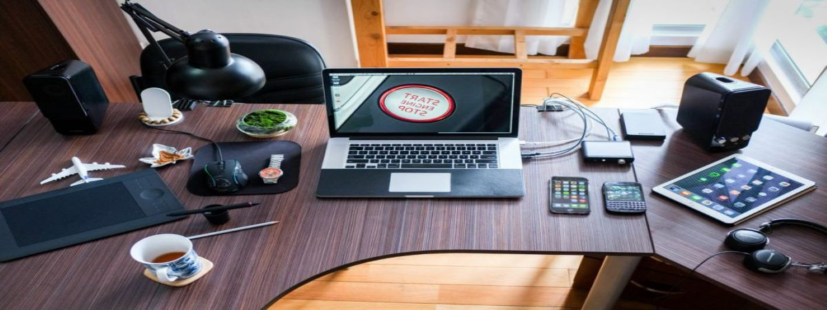 apple-coffee-computer-desk-1200x450