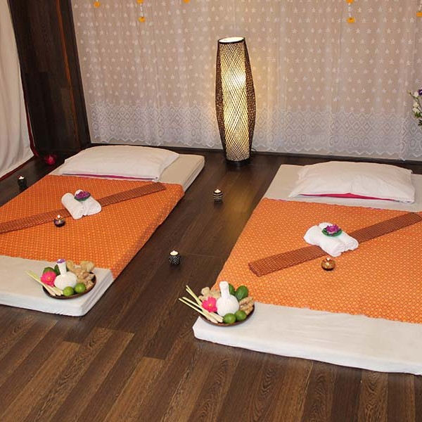 Thai massage beds hull