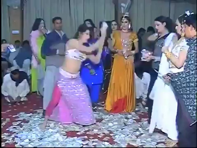 Pakistani private new mujra 2012