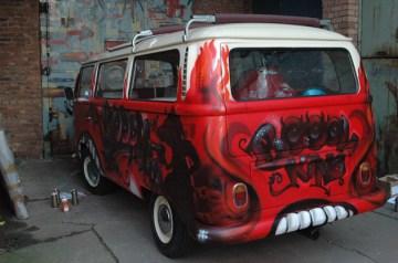 VW Bulli T2 für den Film Iron Sky, 2010