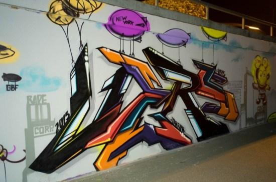 + Vers NYC Graffiti Frankfurt Ratswegkreisel