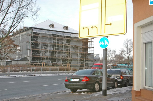 Everyone is a critic Leunabunker Frankfurt-Höchst 2010