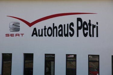 Freehand Logo SEAT Petri car shop, Hofheim 2014