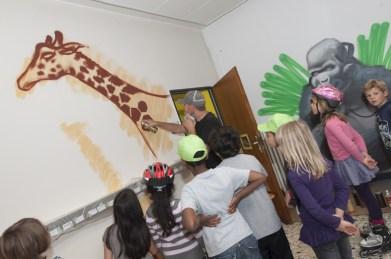 Socialday live spray painting