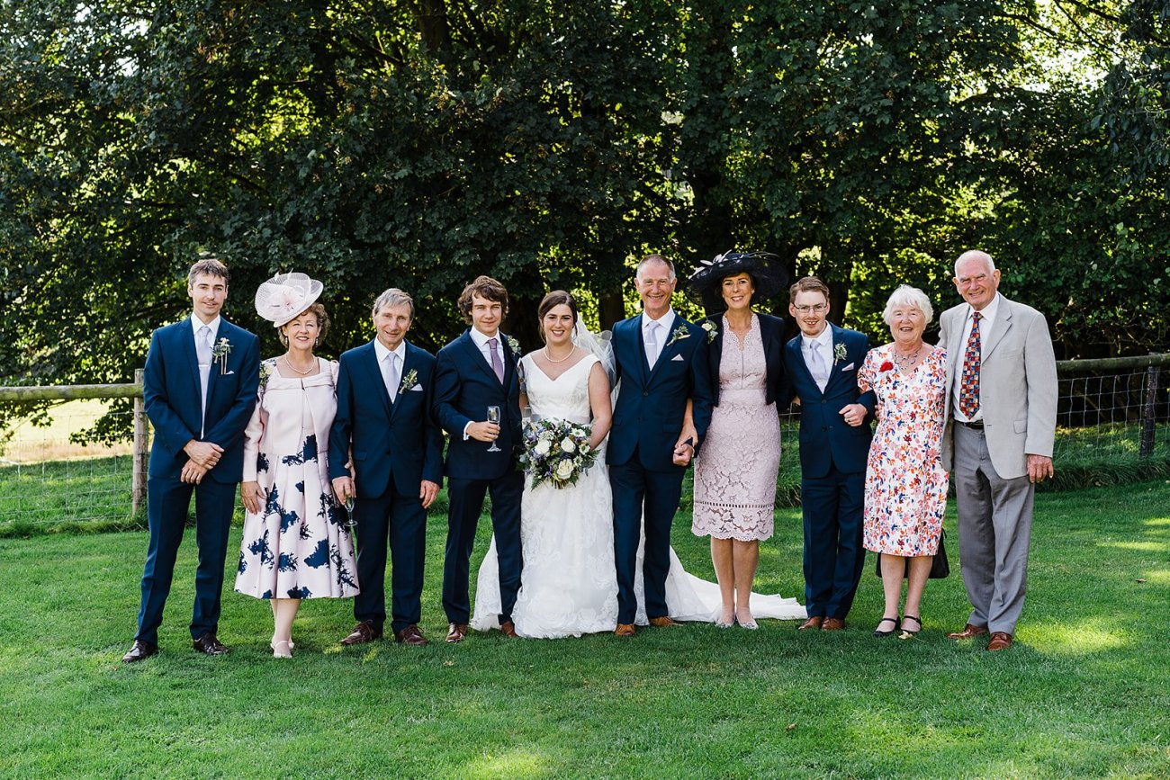 wedding photography family group shot line up