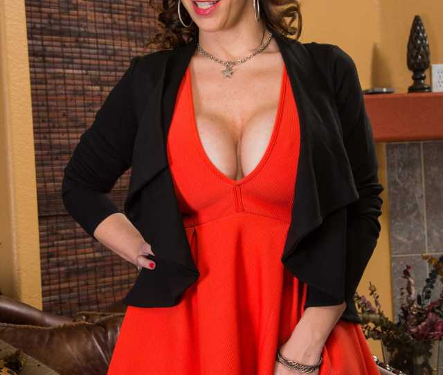 Sara Jay Image