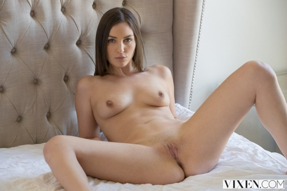 Vixen Pepper Xo in Young Babysitter Seduces Dad with Christian Clay 6