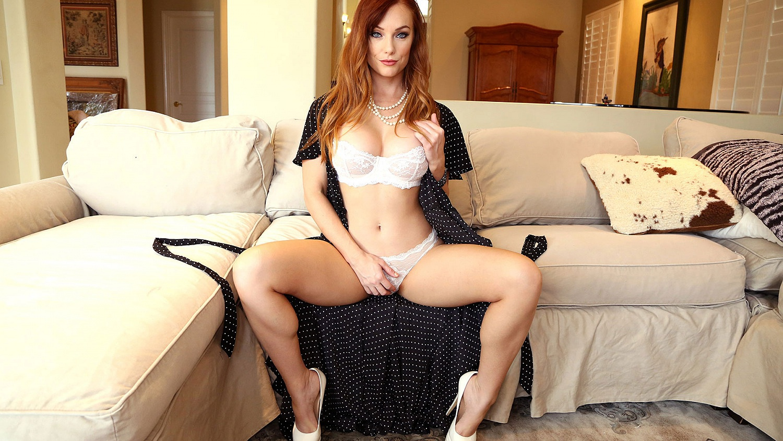 Hot Blonde Real Estate Agent