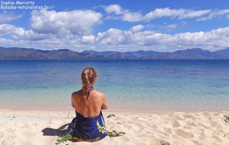 Sophie sur la plage de l'îlot Hienga