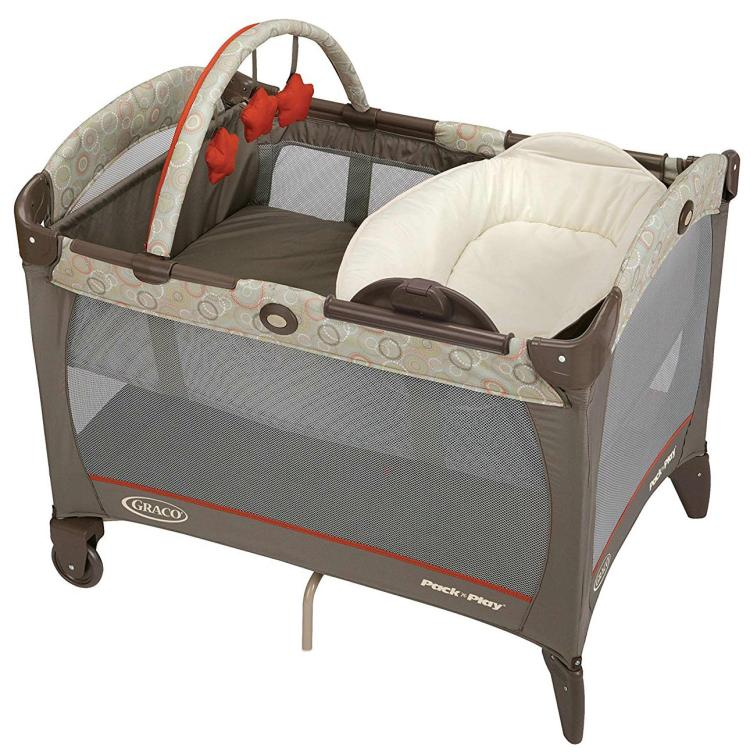 Graco Pack 'n Play Playard with a Reversible Napper and Changer