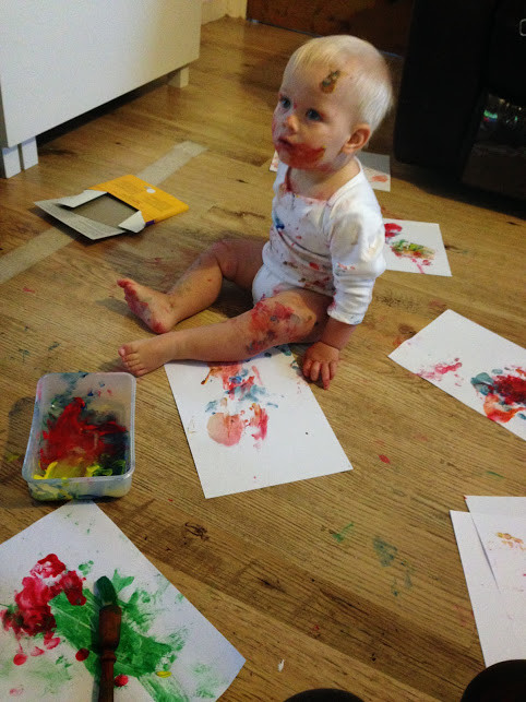 painty-baby-christmas-activity[1]