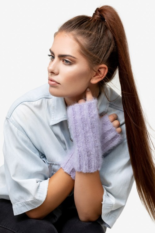 Model-CozyCuffs-Lilac