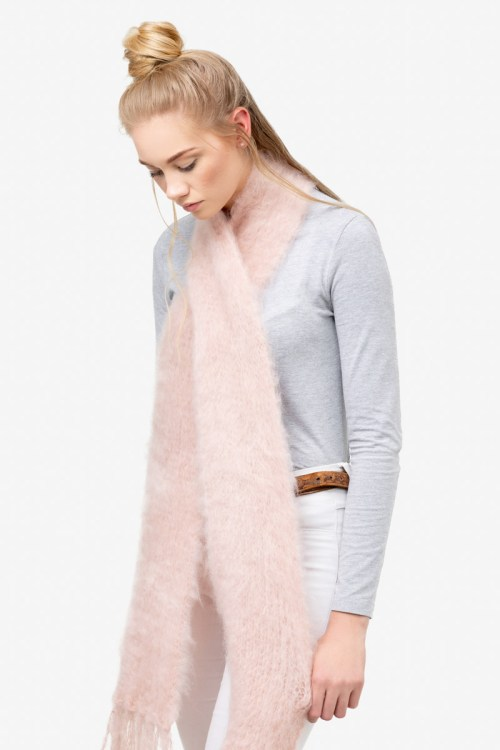 Model-Cuddles-Blush