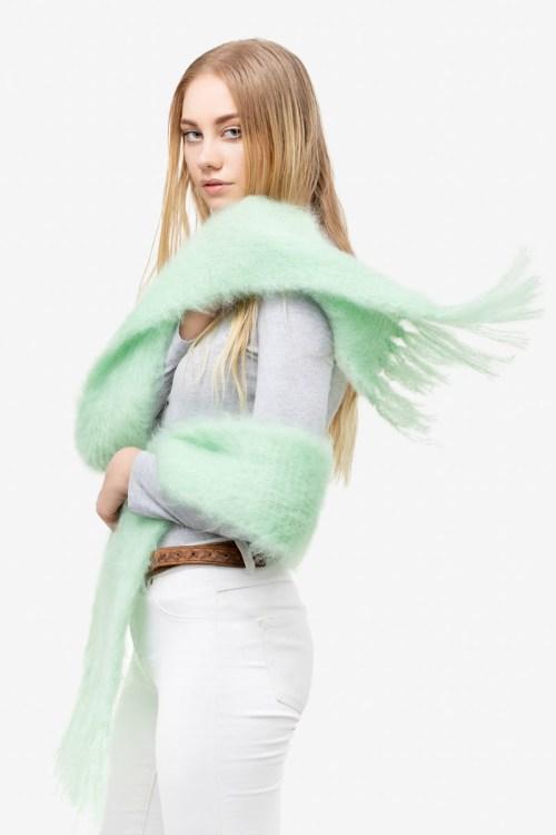 Model-Cuddles-Mint