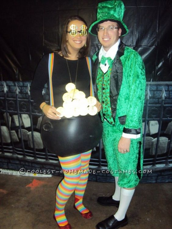 10 Awesome Halloween Costumes For Pregnant Couples Babyprepping 2078c83f2