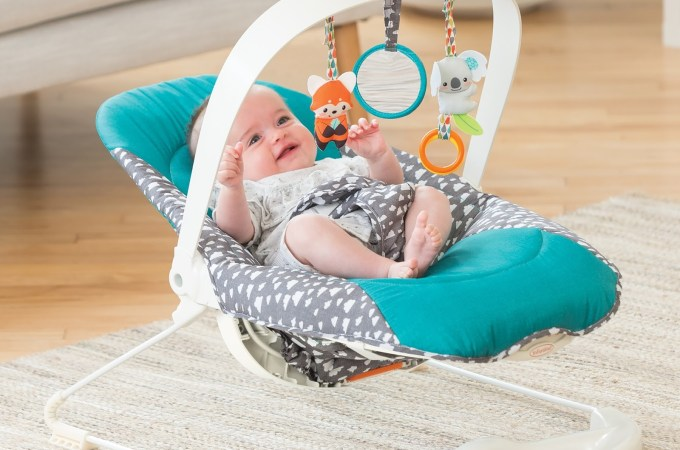 Infantino 2-in-1 bouncer and activity seat
