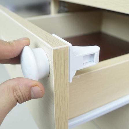 Magnetic Child Lock