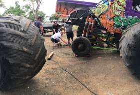 El video de los Monster Trucks *casi* en las calles de Managua