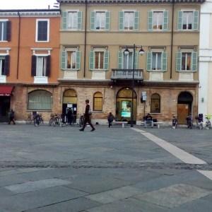 Ravenna-Piazza del Popolo- Performance 1- Onico Giannetta
