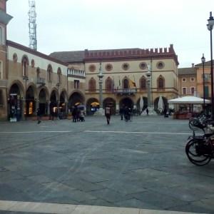 Ravenna-Piazza del Popolo- Performance35- Onico Giannetta