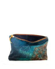 pouch-water3-570×460