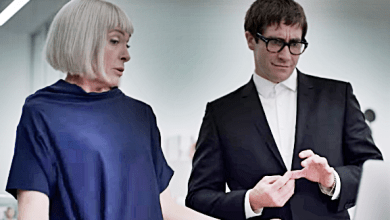 "FIRST LOOK: Jake Gyllenhaal Plays Gay Art Critic in Horror Thriller ""Velvet Buzzsaw"""