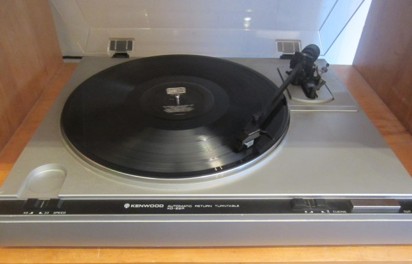 Kenwood KD-22R Turntable