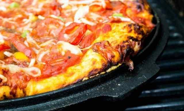 Pizzablech im Ofen