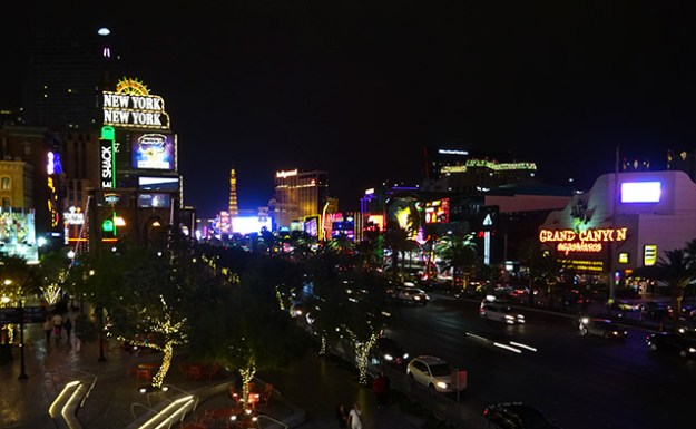 Le Strip la nuit