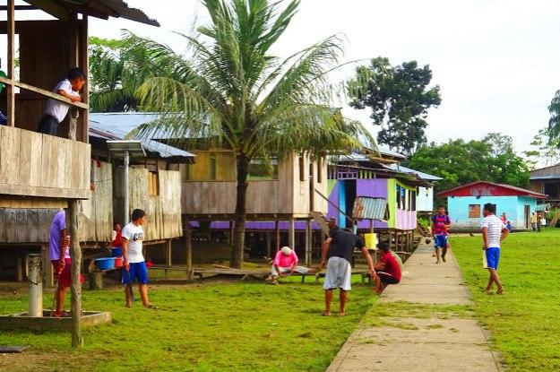Visite du village indien ce dernier jour en Amazonie