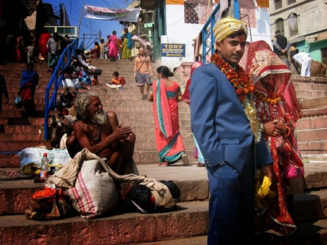 The ghats are the best places to see in Varanasi fir Hindu rituals
