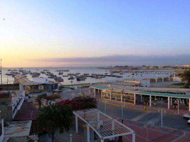 The boulevard in Paracas