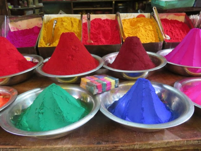 things to do in mysore:devaraja market