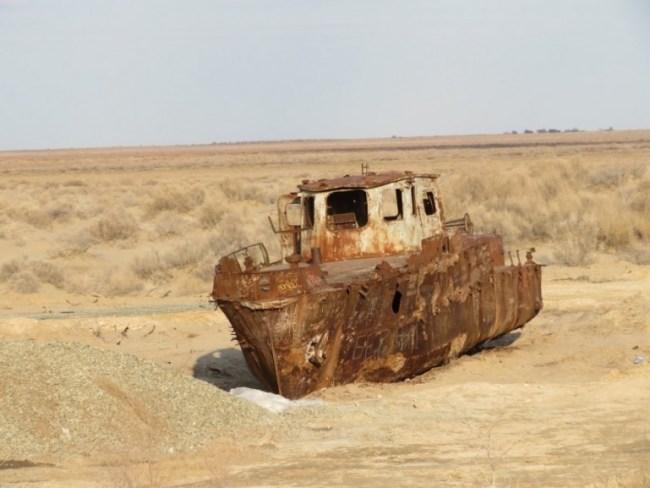 Aral sea ship cemetery in Moynaq