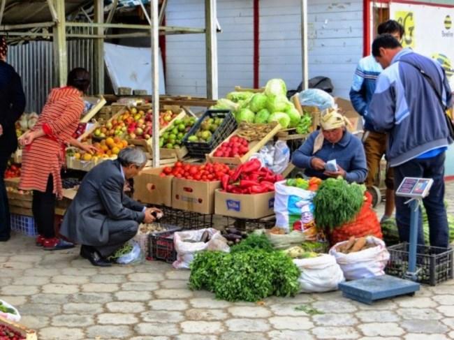 Market in Cholpon Ata on the way from Bishkek to Karakol