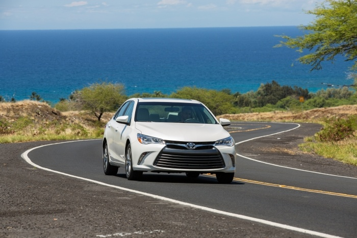2015 Toyota Camry XLE 005 - How to Choose the Best Car for Your Cross-Country Road Trip