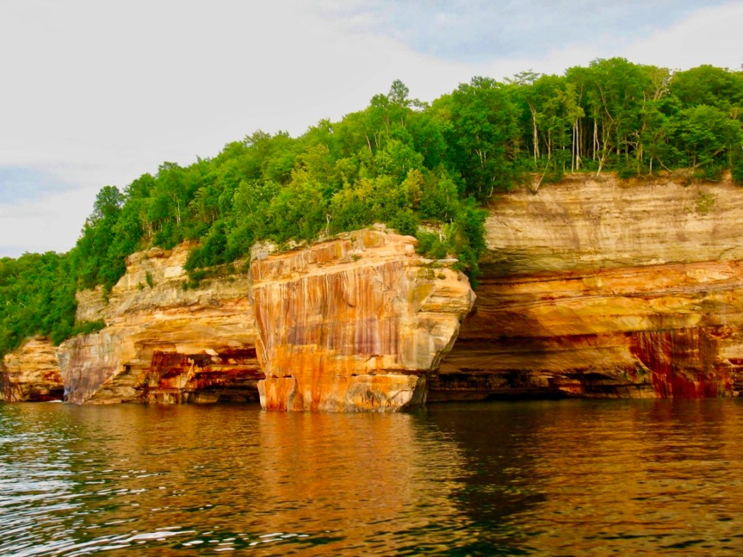 FeaturedImage3 PicturedRocks MI - The Great Lakes Tour: A Circle Road Trip Itinerary