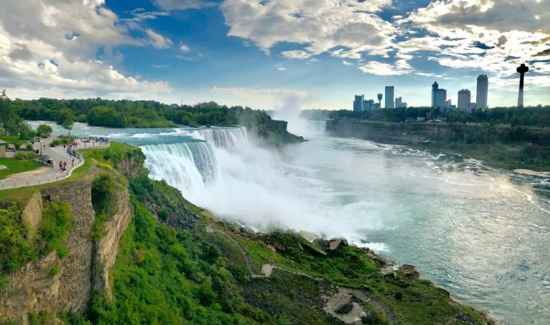 Niagara Falls panorama - 3 Awe-Inspiring Niagara Falls USA Attractions
