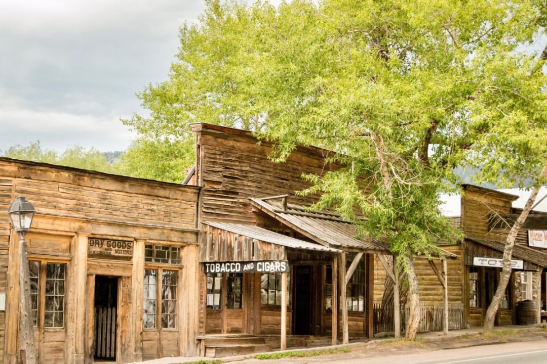 Virginia City Street 2 - Two Montana Ghost Towns Where the Old West Comes Alive