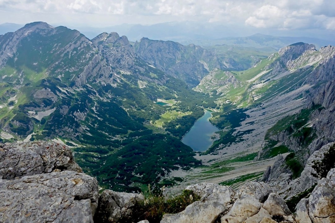 Lake valley - Roadtripping, Hiking & Camping Montenegro Best Places