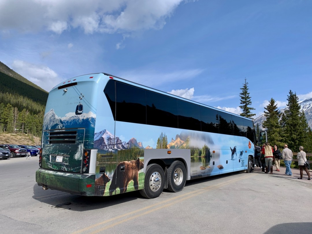 Brewster Canada Coach - The Best Sites & Activities for a Town of Banff Adventure
