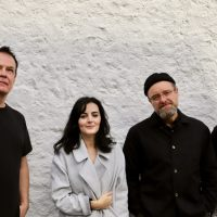 NEWS: The Wedding Present announce album of lockdown versions and more - see the stripped back 'Crawl'