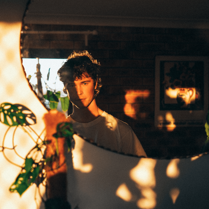 Premiere: Brisbane artist Aren't unveils debut single, the transfixing 'The Black from the Dark ft McKisko' and announces debut EP.