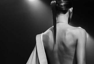 πλάτη γυναίκας