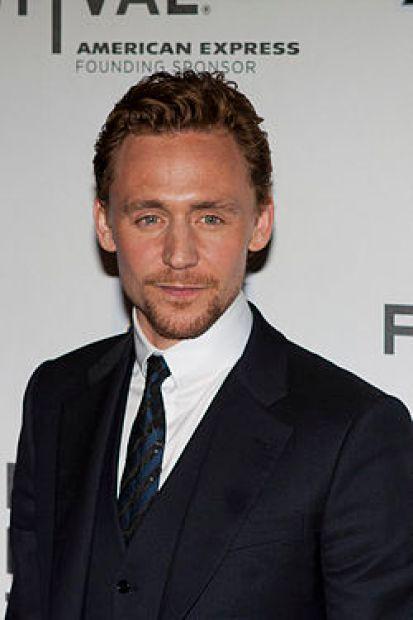250px-Tom_Hiddleston_(Avengers_Red_Carpet)