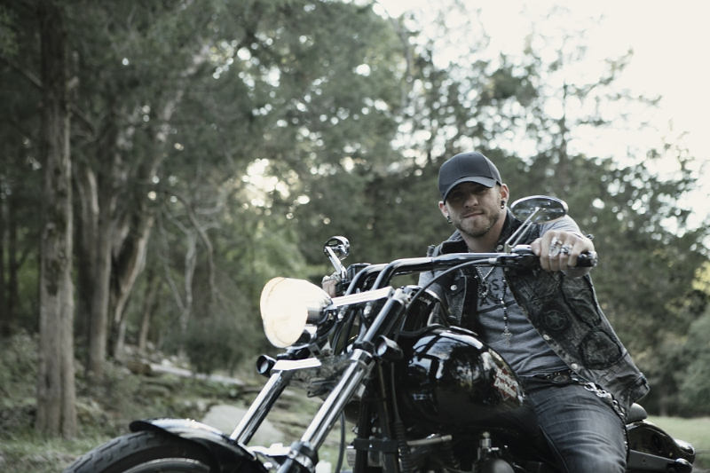 Country music star Brantley Gilbert joins Wounded Warrior Project(r) and Harley-Davidson to raise awareness for post-traumatic stress disorder through Rolling Odyssey program (PRNewsFoto/Wounded Warrior Project)