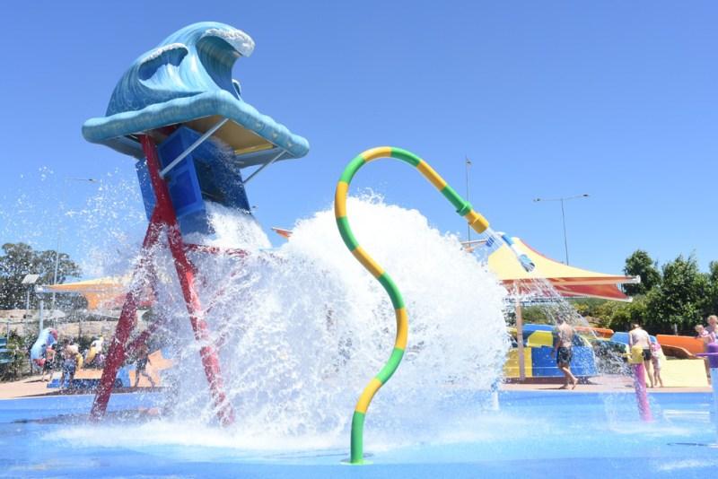 Nickelodeon Beach crashing giant bucket of water