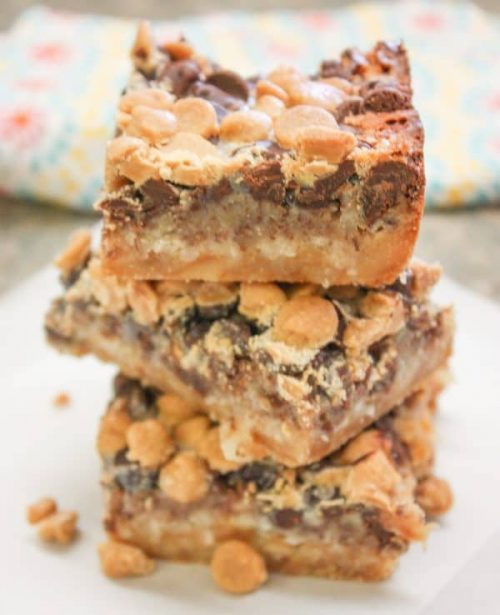 Hello Dolly Bars recipe is a delicious dessert for any occasion and is one of the best chocolate dessert recipes.