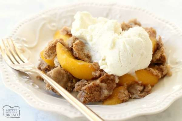 Picture of peach cobbler in a bowl