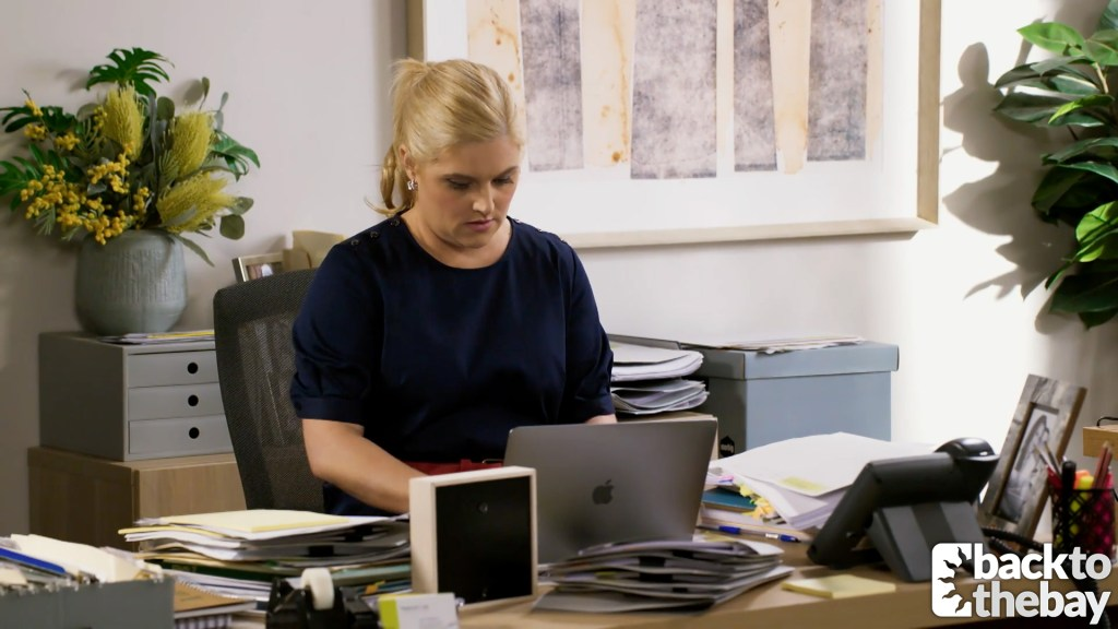 Why is Rose snooping on Toadie's computer in Neighbours spoilers for Australia?